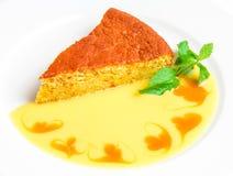 蛋糕用黄色调味汁 库存图片