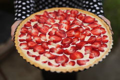 蛋糕自创草莓馅饼 库存照片