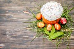 蛋糕色的复活节彩蛋 免版税库存照片