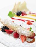 蛋糕草莓糖浆 库存照片