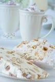 蛋糕蛋白甜饼 库存图片