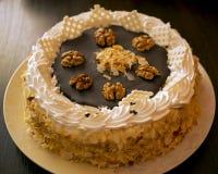 蛋糕蜂蜜切了 免版税库存图片