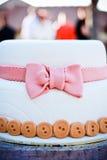 蛋糕逗人喜爱的婚礼 库存图片