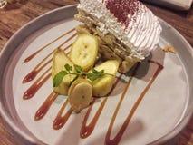 蛋糕香蕉 免版税库存照片