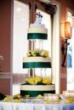 蛋糕高婚礼 图库摄影