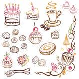 蛋糕,咖啡,果仁糖 免版税库存照片