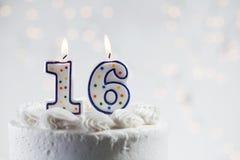 蛋糕:庆祝A第16个生日 库存图片