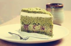 蛋糕绿茶 免版税库存图片