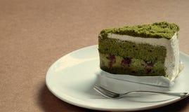 蛋糕绿茶 免版税库存照片