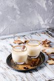 蛋黄乳圣诞节鸡尾酒 图库摄影