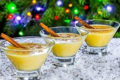 蛋黄乳用桂香,经典食谱 免版税库存照片
