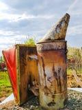 蜂农吸烟者 免版税库存照片