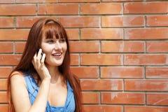 蜂窝电话女孩电话 库存图片