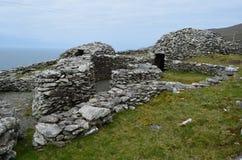 蜂箱小屋村庄在爱尔兰 免版税库存照片
