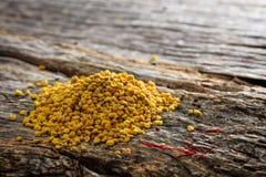 蜂花粉堆 免版税库存照片