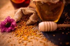 蜂花粉蜂胶产品  库存图片