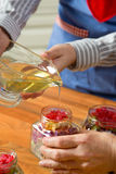 蜂蜜和干果子 免版税库存图片