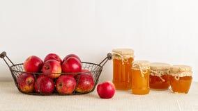 蜂蜜和苹果 土气样式 库存照片