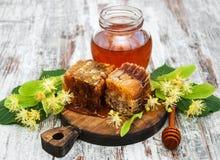 蜂蜜和菩提树花 图库摄影