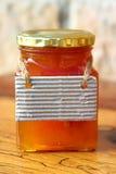 蜂蜜瓶子 免版税库存照片