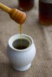 蜂蜜罐 免版税图库摄影