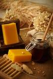 蜂蜜肥皂 图库摄影