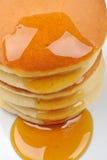 蜂蜜薄煎饼一些甜点 免版税库存照片