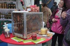蜂蜜街道商店 蒙马特 巴黎 免版税图库摄影