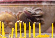 蜂蜡被排行的蜡烛集合 免版税库存图片