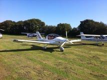 蜇rotax 912飞行的农夫小型飞机microlight 库存图片