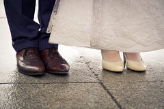 蜜月夫妇脚 库存照片