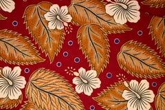 蜡染布传统模式的布裙 免版税图库摄影