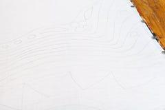 蜡染布绘画的铅笔剪影 库存照片
