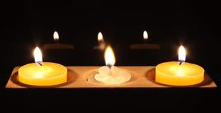 蜡烛中心花卉画白色 库存图片