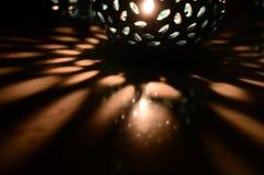 蜡烛光和绿色阴影 免版税库存照片