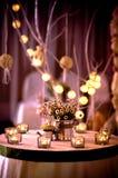 蜡烛光,婚礼装饰 库存照片