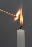 蜡烛发火焰 免版税图库摄影