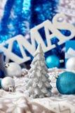 蜡烛圣诞节玻璃寿命红色不起泡的酒 免版税库存图片