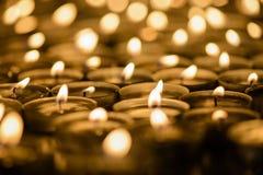 蜡烛在教会3里 库存照片