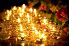 蜡烛在Asalha Puja天, Magha Puja天, Visakha Puja天点燃了泰国文化 图库摄影