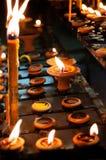 蜡烛或蜂蜡在Loy Krathong节日Thaila的蜡烛燃烧 免版税库存照片