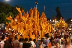 蜡烛游行节日显示。 库存照片