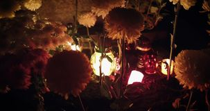 蜡烛烧伤在公墓 影视素材