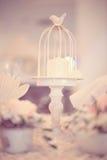 蜡烛的鸟笼立场 免版税库存照片