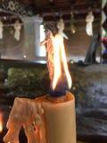 蜡烛金黄光  库存照片