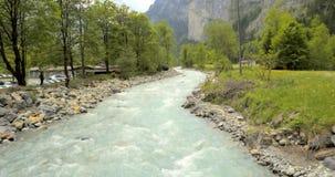 蜿蜒地流的河 库存图片