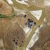 蜿蜒的河鸟景色香格里拉的 库存照片