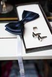 蝶形领结和链扣 免版税图库摄影
