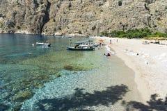 蝴蝶谷海滩,土耳其- 6月01 :游人参观著名 库存图片