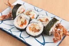 螃蟹卷壳软的寿司 免版税图库摄影